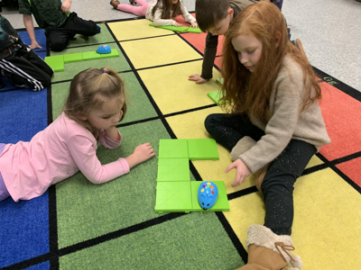 kindergardeners with coding mice